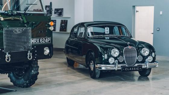 Đây là kho tàng xe cổ bí mật của Jaguar Land Rover - Ảnh 4.