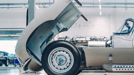 Đây là kho tàng xe cổ bí mật của Jaguar Land Rover - Ảnh 9.