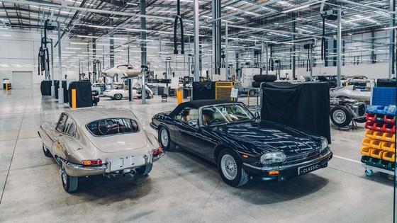 Đây là kho tàng xe cổ bí mật của Jaguar Land Rover - Ảnh 15.