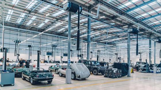 Đây là kho tàng xe cổ bí mật của Jaguar Land Rover - Ảnh 34.