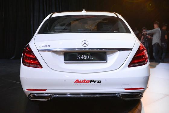Mercedes-Benz Việt Nam chính thức ra mắt bộ ba S 450 mới với giá từ gần 4,2 tỷ đồng - Ảnh 2.