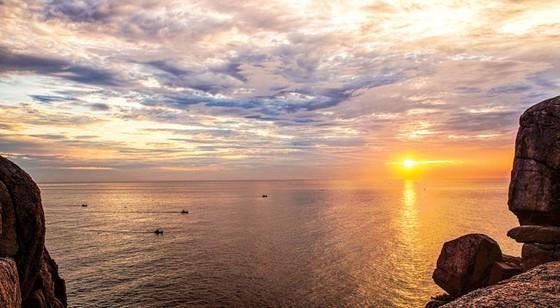 Tuyệt cảnh bờ biển Nam Trung Bộ ảnh 10