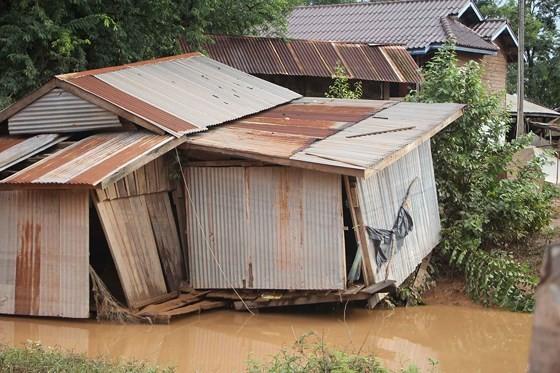 Bản làng xơ xác sau vụ vỡ đập thủy điện ở Lào ảnh 8