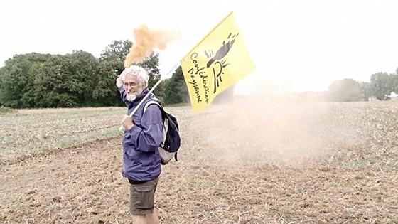 Nông dân Pháp phản đối các chủ đất Trung Quốc tại làng Murs
