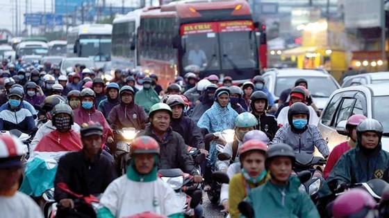 Quốc lộ 1, đoạn qua cầu Bình Điền ùn ứ xe vào chiều tối 3-9