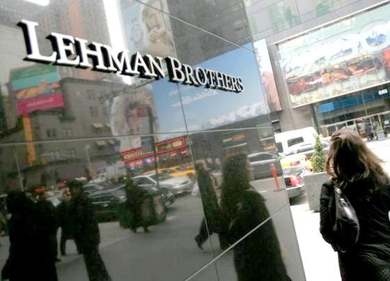 Chu kỳ 10 năm khủng hoảng tài chính ảnh 1