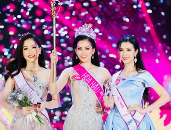 Người đẹp Trần Tiểu Vy  đăng quang Hoa hậu  Việt Nam 2018 ảnh 1