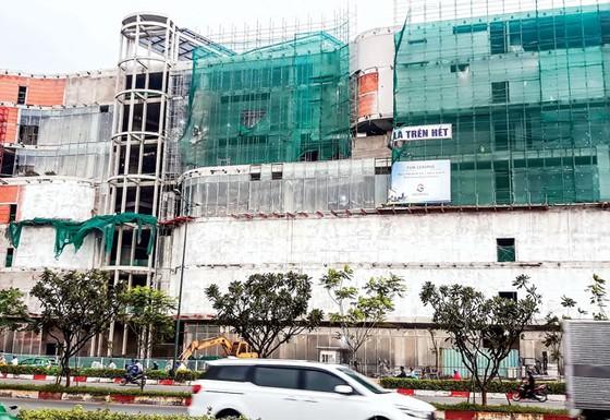 Thi công nhà cao tầng ở TPHCM: Nhiều công trình mất an toàn lao động ảnh 1
