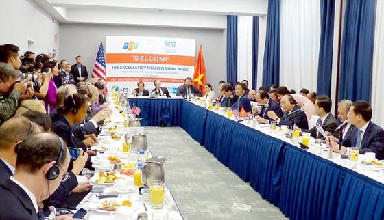 Thủ tướng Nguyễn Xuân Phúc gặp gỡ, đối thoại với các doanh nghiệp Hoa Kỳ ảnh 1