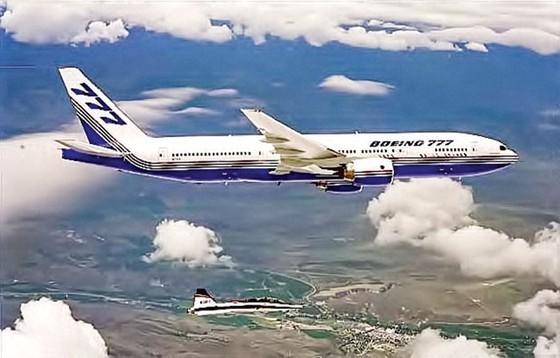 Boeing cho nghỉ hưu chiếc phi cơ đầu tiên ảnh 1