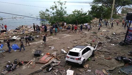 Số nạn nhân thiệt mạng do động đất và sóng thần tại Indonesia đã lên tới gần 400 người ảnh 2