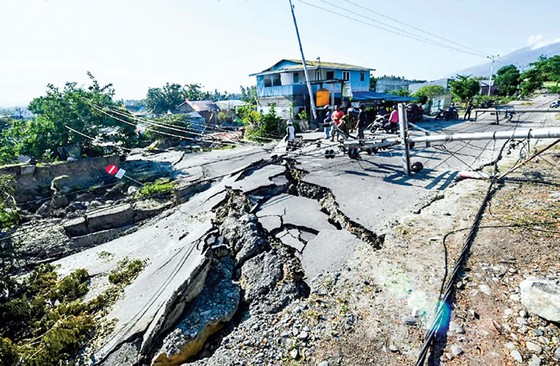 Indonesia tan hoang sau động đất - sóng thần ảnh 1
