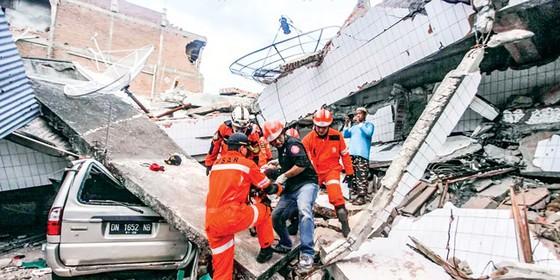 Indonesia tan hoang sau động đất - sóng thần ảnh 2
