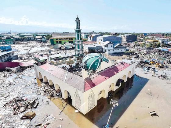 Indonesia tan hoang sau động đất - sóng thần ảnh 4