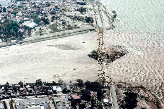 Indonesia tan hoang sau động đất - sóng thần ảnh 8