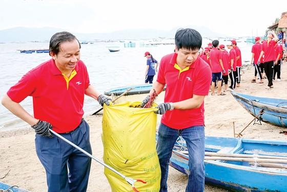 """Vietjet  và chiến dịch """"Hãy làm sạch biển"""" 2018 ảnh 2"""