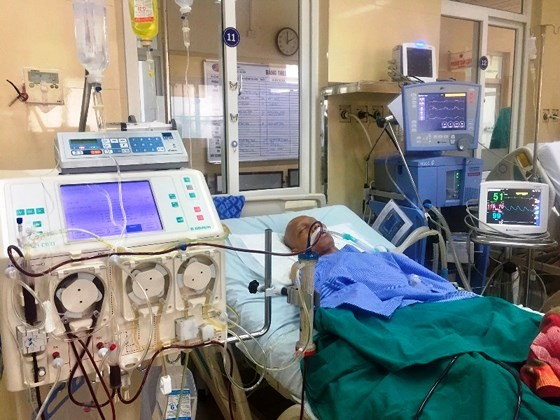 Lần đầu tiên u di căn phổi được cứu sống bằng thay huyết tương ảnh 1