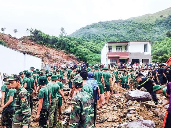 Nha Trang hoang tàn sau trận mưa khủng ảnh 1