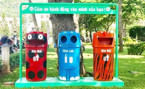 Từ 24-11, người dân TPHCM phải phân loại rác tại nguồn ảnh 1
