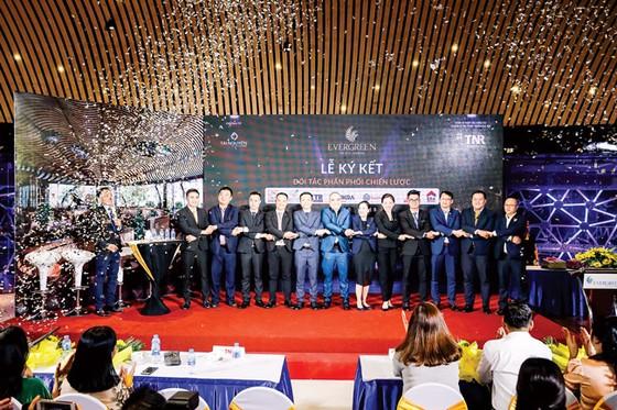 TNR Holdings Việt Nam hợp tác chiến lược 7 nhà phân phối siêu dự án EverGreen ảnh 2