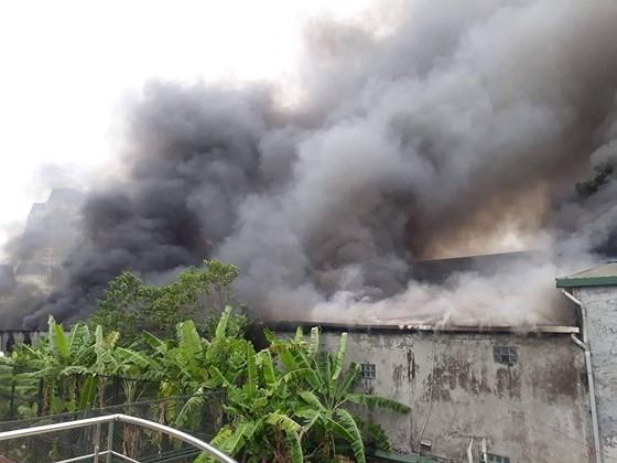 Cháy gara ô tô gần trụ sở VFF, nhiều người hoảng loạn ảnh 4