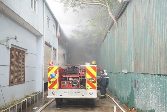 Cháy gara ô tô gần trụ sở VFF, nhiều người hoảng loạn ảnh 7