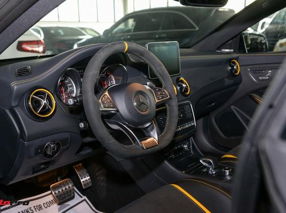 Mercedes-Benz CLA45 AMG Yellow Night Edition, giá 2,578 tỷ đồng ảnh 15