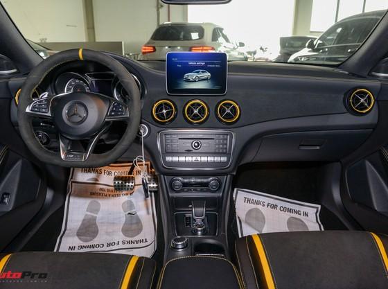 Mercedes-Benz CLA45 AMG Yellow Night Edition, giá 2,578 tỷ đồng ảnh 11