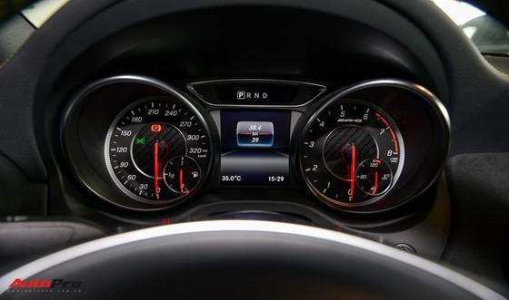 Mercedes-Benz CLA45 AMG Yellow Night Edition, giá 2,578 tỷ đồng ảnh 17