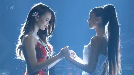 Lần đầu tiên trong lịch sử: Đại diện Việt Nam - H'Hen Niê vào Top 5 Hoa hậu Hoàn vũ ảnh 29