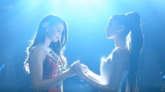 Lần đầu tiên trong lịch sử: Đại diện Việt Nam - H'Hen Niê vào Top 5 Hoa hậu Hoàn vũ ảnh 30