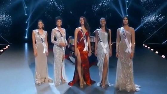 Lần đầu tiên trong lịch sử: Đại diện Việt Nam - H'Hen Niê vào Top 5 Hoa hậu Hoàn vũ ảnh 26