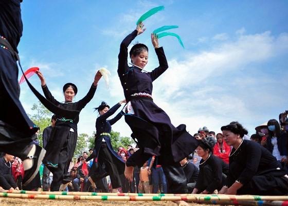 """Những khung hình đậm sắc màu trong """"Vẻ đẹp Việt Nam"""" ảnh 1"""