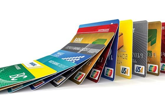 Cuộc chiến thẻ tín dụng ảnh 1