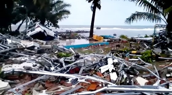 Sóng thần bất ngờ xảy ra ở Indonesia, hơn 600 người thương vong ảnh 2