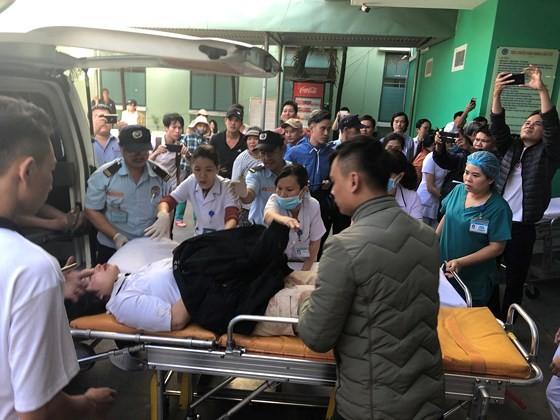 Xe khách chở 26 người rơi xuống vực đèo Hải Vân, đã có 1 người tử vong ảnh 6