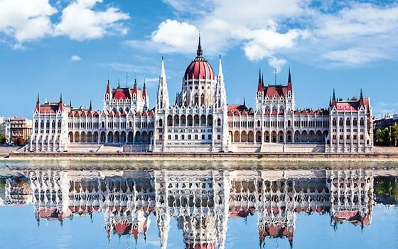 Khám phá tòa nhà Nghị viện Hungary ảnh 1