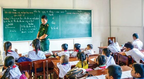 Người thầy mang quân hàm xanh ảnh 1