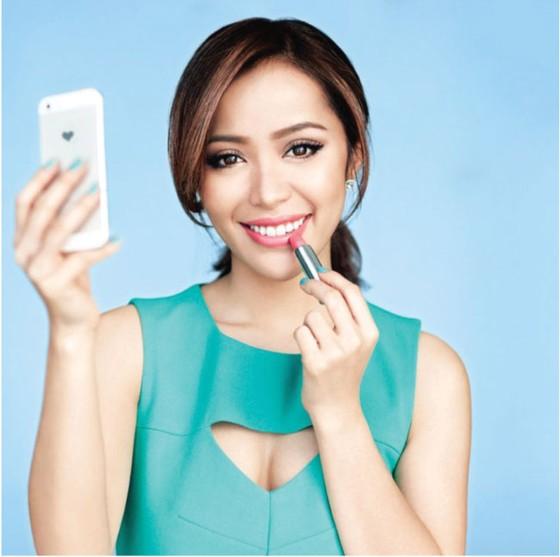 Michelle Phan - Phù thủy  sắc đẹp ảnh 2