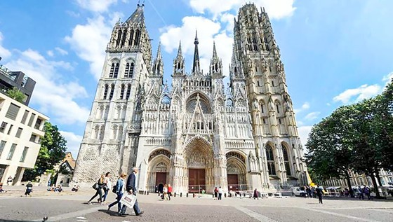Mãn nhãn 5 nhà thờ nổi tiếng tại Pháp ảnh 1