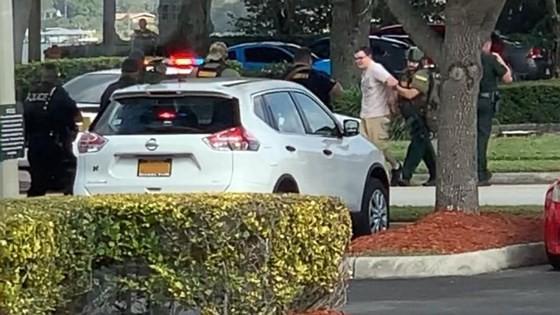 Nổ súng tại ngân hàng ở bang Florida, ít nhất 5 người thiệt mạng ảnh 7