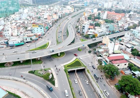 Nhiều giải pháp thúc đẩy phát triển giao thông ảnh 1