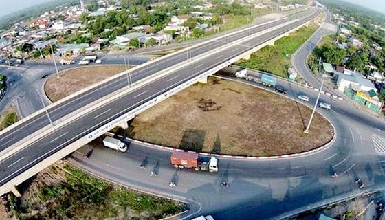 Chính phủ yêu cầu thay nhà đầu tư dự án cao tốc Trung Lương - Mỹ Thuận ảnh 1
