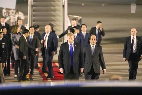 Tổng thống Mỹ Donald Trump đã đến Hà Nội ảnh 15