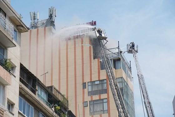 Đang cháy lớn tại Hàng Dương Quán quận 1, nhiều người bỏ chạy ảnh 5