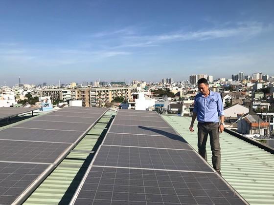 Hiệu quả kép từ lắp đặt điện mặt trời áp mái ảnh 1