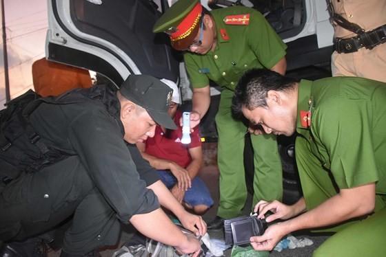 Nỗi lo tuyển dụng, quản lý lái xe container ở Đông Nam bộ - Bài 1: Tràn lan giấy khám sức khỏe giả ảnh 1