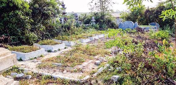 Dự án mở rộng sân bay Phú Bài - Ồ ạt xây mộ giả chờ… đền bù ảnh 1