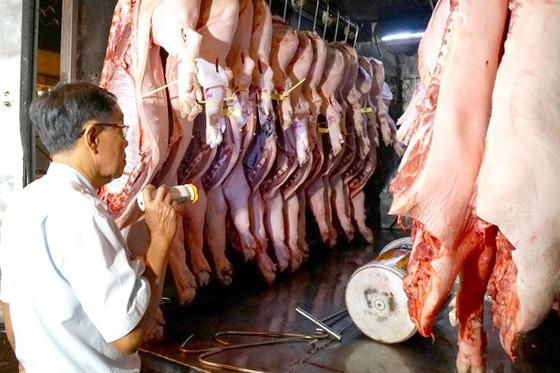 Kiểm soát chặt nguồn thịt heo vào TPHCM ảnh 1
