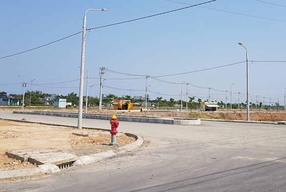 Đà Nẵng: Buộc tháo dỡ các ki-ốt xây dựng trái phép, kinh doanh bất động sản ảnh 1